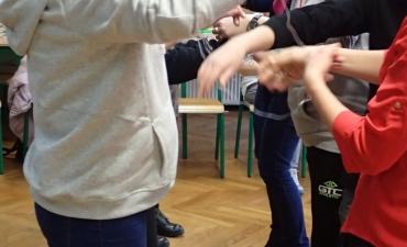 2017.12.21 Świąteczne warsztaty z rodzicami - ,,Pobawmy się razem''_11