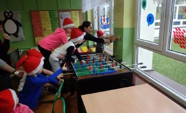 2017.12.21 Świąteczne warsztaty z rodzicami - ,,Pobawmy się razem''_20