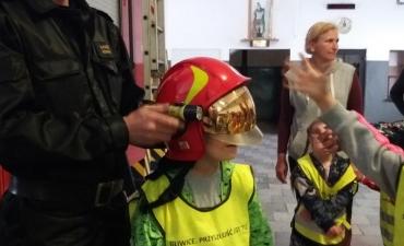 2018.05.16 Wycieczka Przedszkolaków do Straży Pożarnej_10