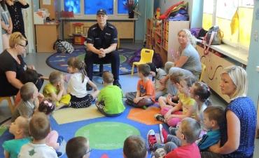 2017.05.29 Wizyta policjanta w przedszkolu_1