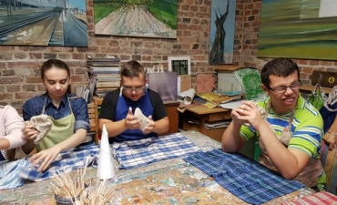 2019.09.25 Warsztaty ceramiczne w studio ACM kl.8aK i 7dK
