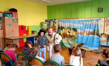 2019.11.06 Wizyta Teatru Sztuka z Przedstawieniem pt.