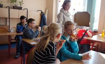 2020.02.10 Dzień Pizzy w klasach 2bP i 3cP_14