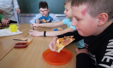 2020.02.10 Dzień Pizzy w klasach 2bP i 3cP