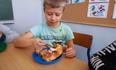 2020.02.10 Dzień Pizzy w klasach 2bP i 3cP_5