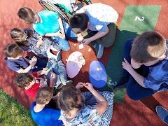 Klasa 2dK i 2aK jako Pomocnicy Wielkanocnego Zajączka